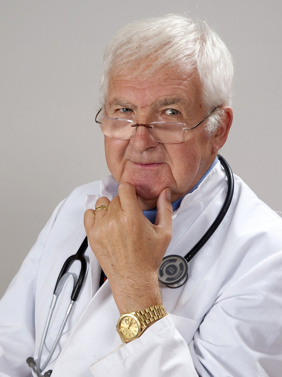 doctor, gray hair, experience-2337835.jpg