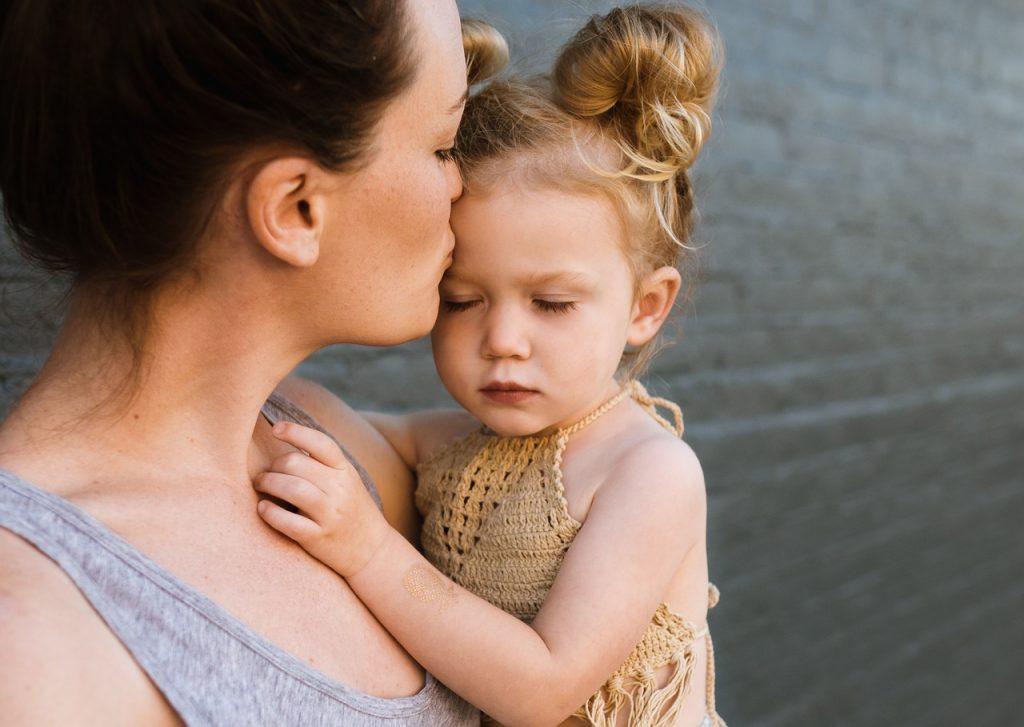 woman, mother, child-2566854.jpg